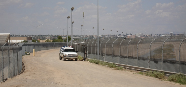 DHS waives regulations for latest border wall contract