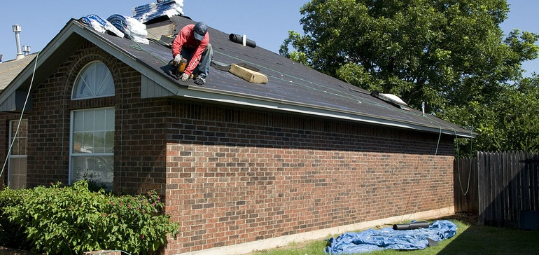 http://www.constructiondive.com/news/osha-issues-155k-fine-for-il-roofing-contractor-that-continues-to-ignore/413306/