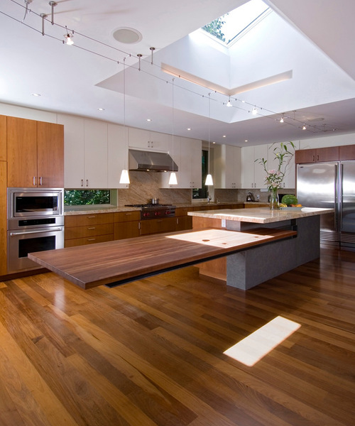Cantilevered kitchen island courtesy Houzz