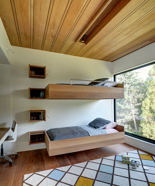 Cantilevered bunk beds courtesy Houzz